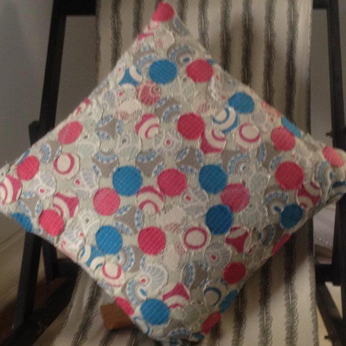 POS 0012 C Applique Circle Blue Pink