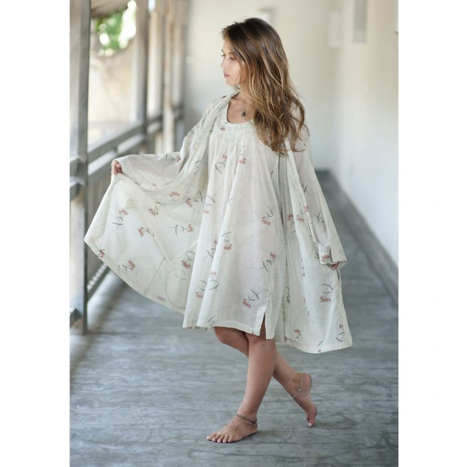 Tallentire House Dressing Gown Dotty Flower Moon Beam Coral 4