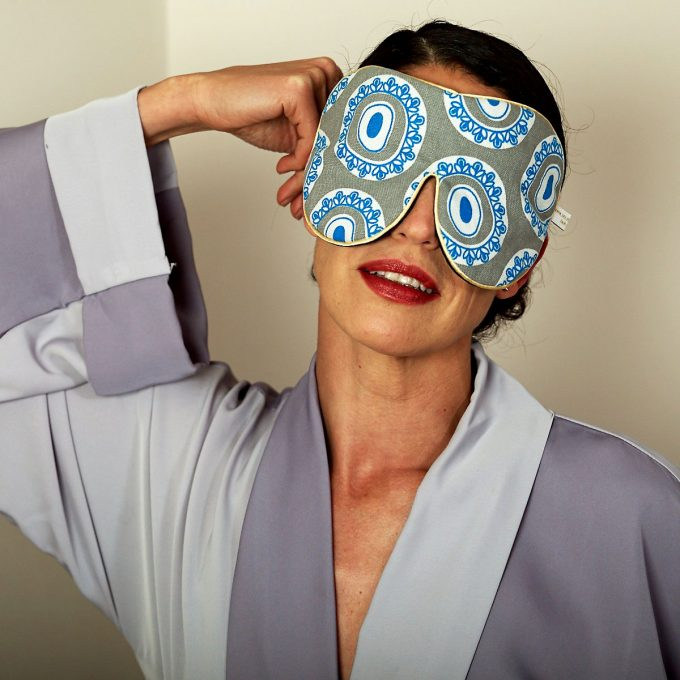 Tallentire House Eye Mask Byzantine Circle Blue in action