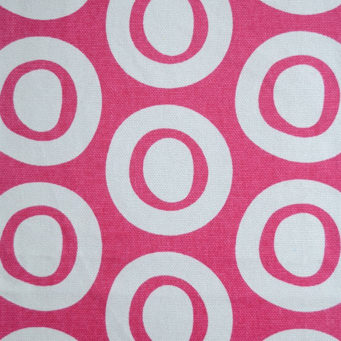 Tallentire House Fabrics Q2 Plain Circle Bright Rose